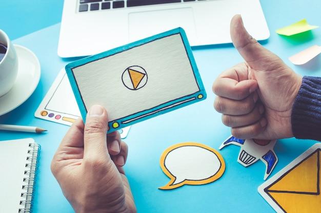 Marketing virale, social media, concetto di marketing online