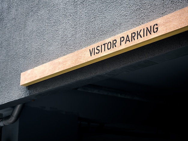 Segno di parcheggio del visitatore.