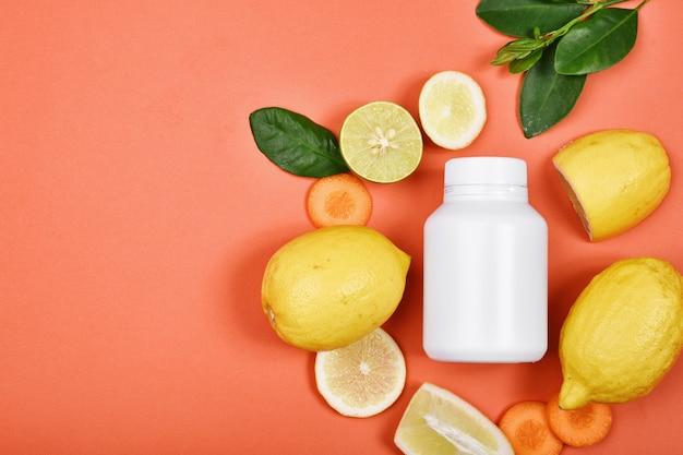 Pillole di nutrizione della vitamina c, supplemento di medicina naturale dieta sana dell'alimento di bellezza.