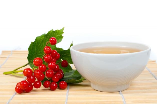 Tè vitaminico con bacche di viburno