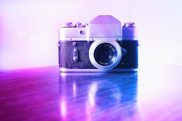 Vntage rosa e viola sfondo della fotocamera a telemetro hd