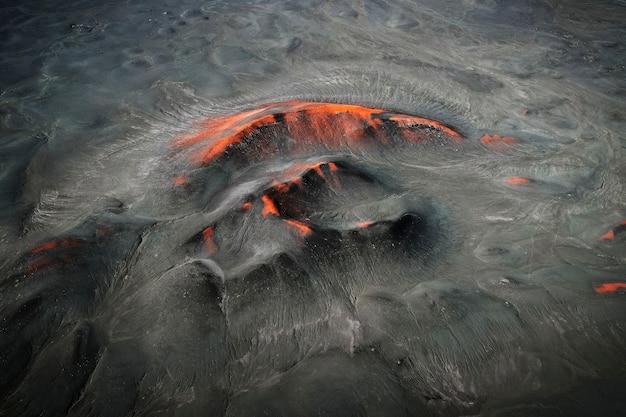 Regione vulcanica in islanda ripresa da un drone