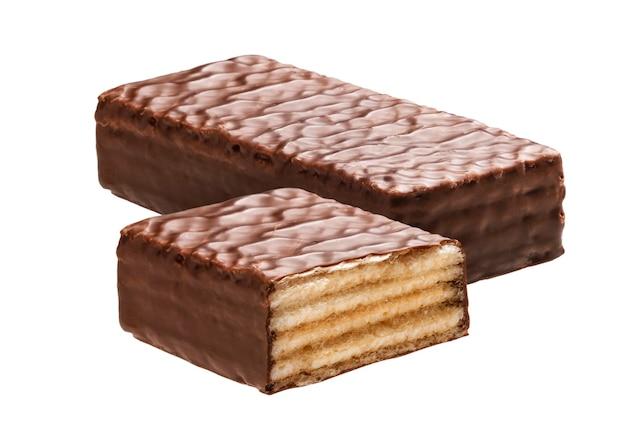 Waffle barretta di cioccolato isolato su sfondo bianco