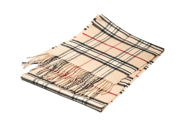 Sciarpa di cashmere caldo isolato su sfondo bianco.