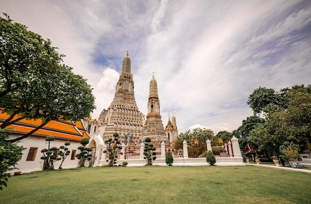 Wat arun ratchawararam ratchaworamahawihan è un luogo famoso per i turisti