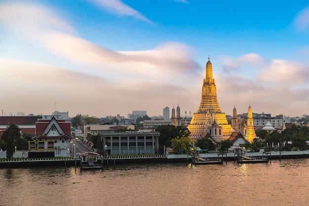 Tempio di wat arun a bangkok, in thailandia
