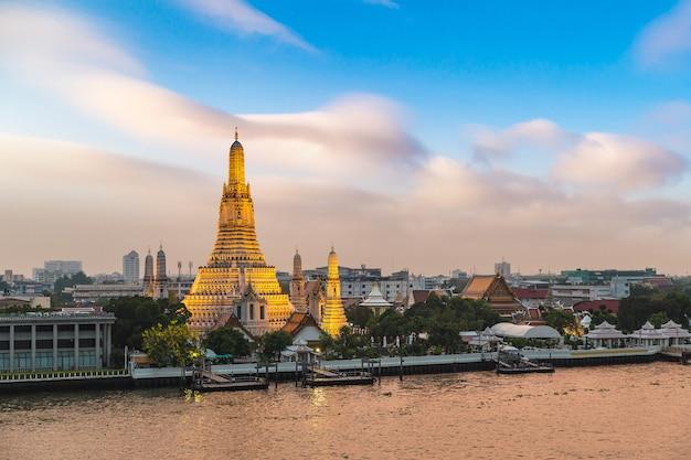 Tempio di wat arun a bangkok