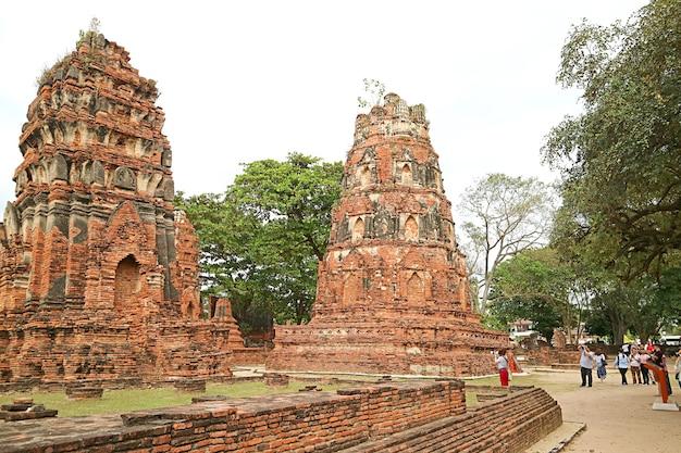 Wat mahathat tempio buddista uno dei più importanti templi storici ayutthaya thailand