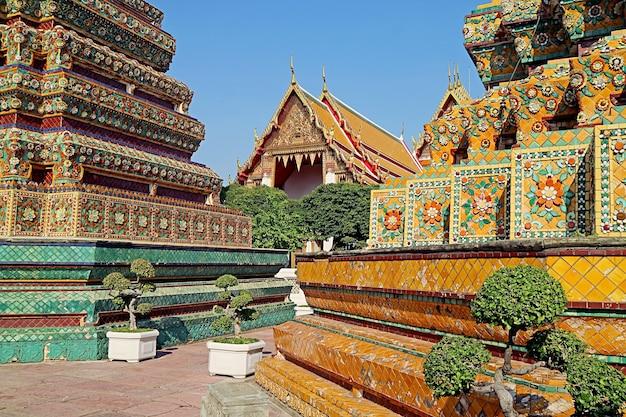 Wat pho tempio buddista complesso noto anche come tempio del buddha sdraiato, bangkok, thailand