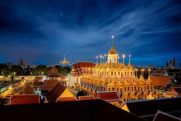 Wat rajanaddaram worawihan città di notte