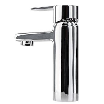 Il rubinetto dell'acqua, il rubinetto per il bagno e il miscelatore della cucina, isolato su uno sfondo bianco. metallo cromato.