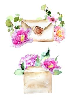 Lettera e busta dipinte a mano dell'acquerello con l'illustrazione dei fiori isolata su una parete bianca. Foto Premium
