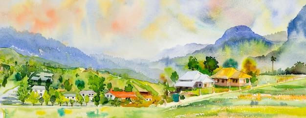 Pittura ad acquerello di paesaggio colorato di villaggio, montagna e prato nella vista panoramica