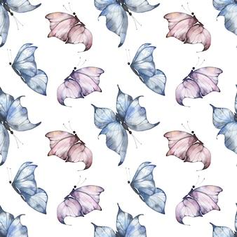 Reticolo senza giunte dell'acquerello con farfalle svolazzanti blu e rosa su sfondo bianco, illustrazione estiva per cartoline, tessuti, imballaggi.