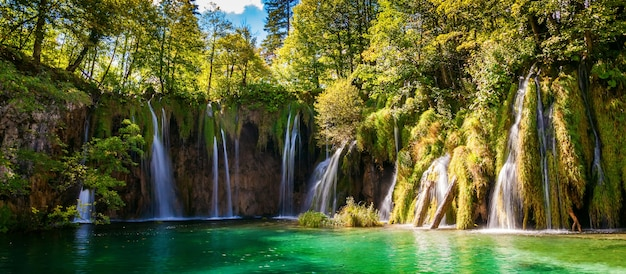 Cascate nel parco nazionale dei laghi di plitvice, croazia