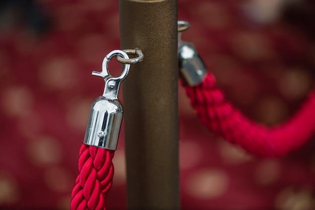 Il modo per il successo sul tappeto rosso (corda barriera)