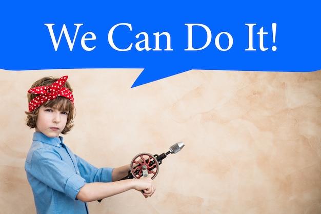 Possiamo farlo. simbolo del concetto di potere femminile e femminismo