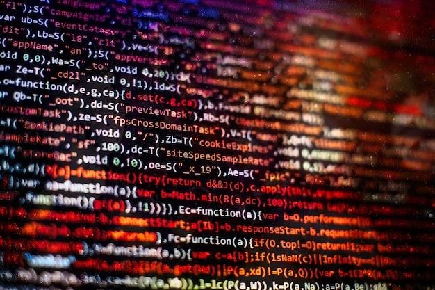 Funzioni di programmazione web su laptop su laptop. affari informatici. schermo del computer in codice python. concetto di progettazione di applicazioni mobili.