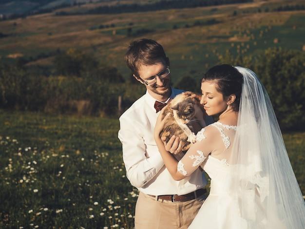 Sposi con gatto dei carpazi