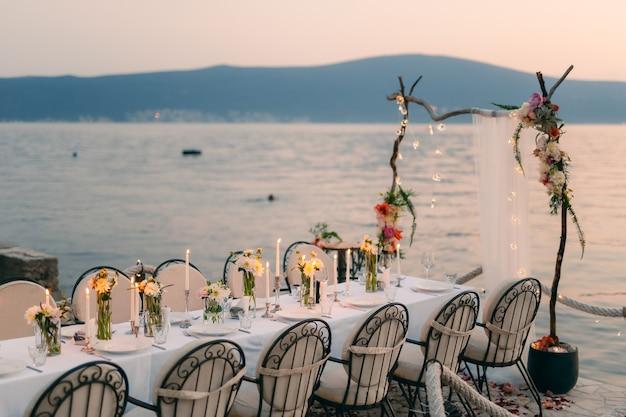 Cena di matrimonio in riva al mare banchetto di nozze al mare donja las