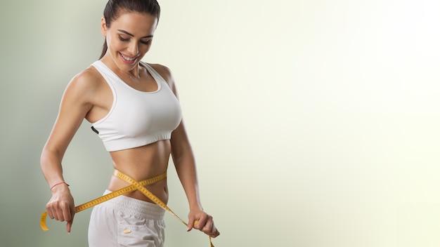 Perdita di peso, corpo snello, concetto di stile di vita sano.
