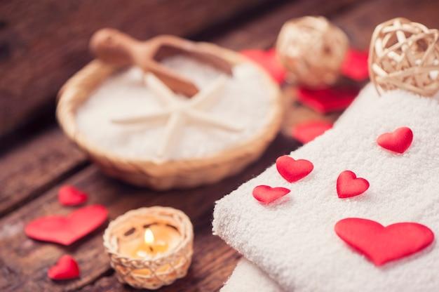 Decorazione benessere con cuore rosso