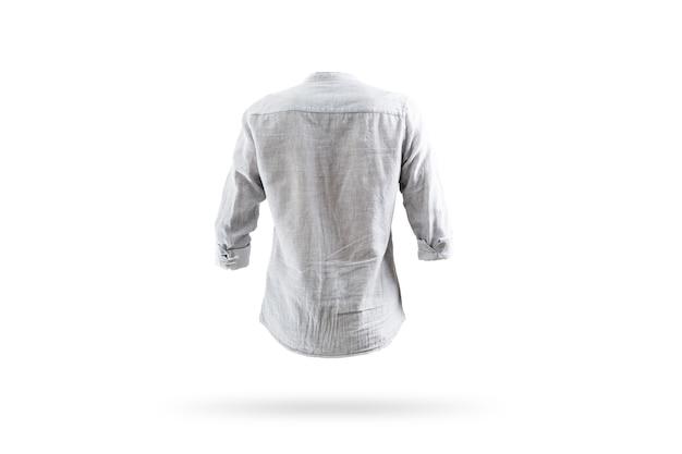 Camicia bianca in bianco torna su uno sfondo bianco