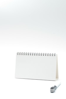 Insieme della lavagna bianca. include lavagna bianca e penna. disegno vettoriale isolato.