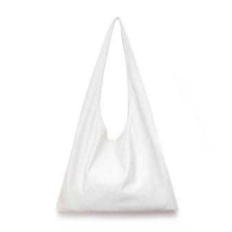 Borsa per la spesa in tessuto bianco su superficie bianca isolata per il tuo concetto di design di zero rifiuti consapevole di un tessuto in tela per lo shopping per modello vuoto mockup