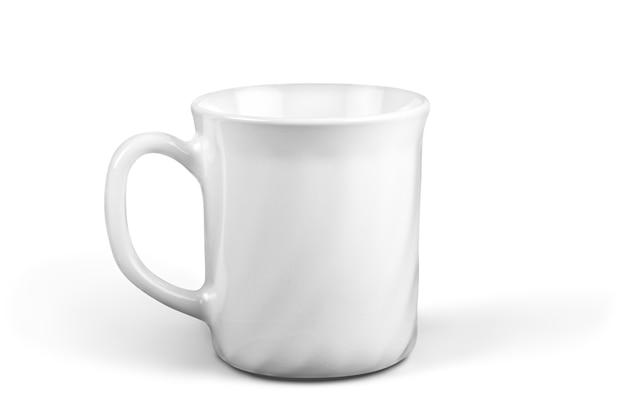 Tazza bianca su sfondo bianco