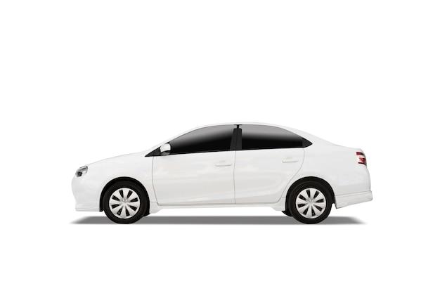 Auto bianca dedan isolata su sfondo bianco