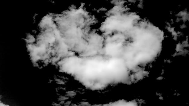 Nuvole naturali bianche isolate su sfondo nero. foto di alta qualità