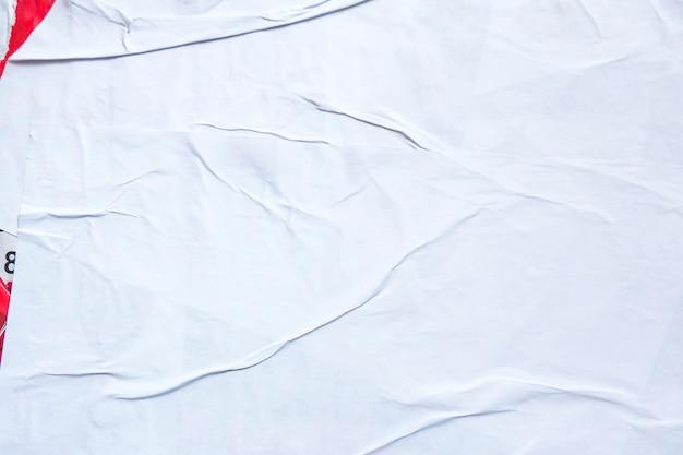 Bianco vecchio grunge strappato strappato collage poster sgualcito carta stropicciata cartellone texture di sfondo con ...