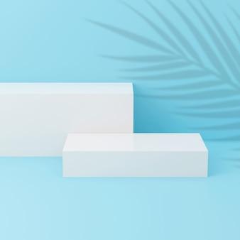 Piattaforme bianche su sfondo blu con ombra di foglie di palma