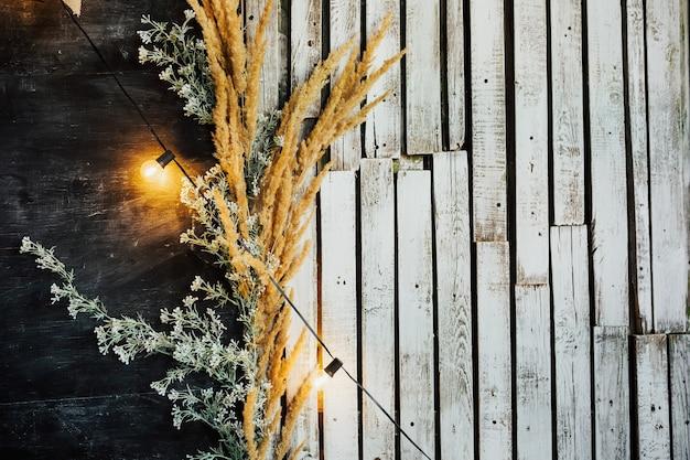 Struttura di legno bianca, vecchio modello di tavola di legno