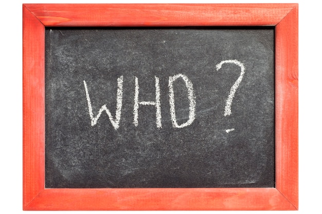 Chi domanda scritta a mano sulla lavagna vintage