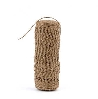 Tutta la bobina di laccio emostatico in corda marrone attorcigliata