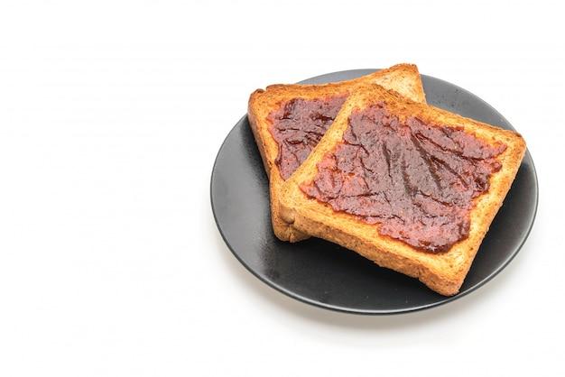 Pane tostato integrale con pasta di peperoncino