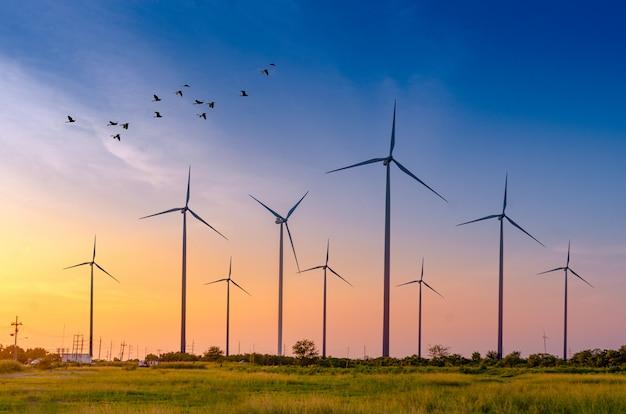 Energia delle turbine eoliche generazione energetica ecologica verde.