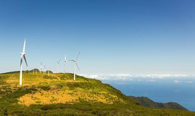 Mulini a vento in montagna