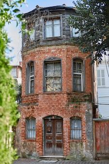 Finestre di una vecchia casa