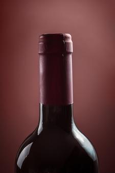 Bottiglia di vino. vino rosso da tavola.