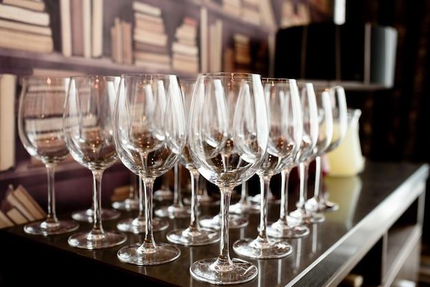 Bicchieri di vino.