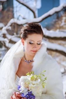Sposa d'inverno sposa d'inverno sullo sfondo del centralpark di new york