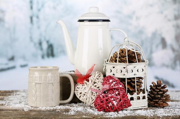 Composizione invernale con bevanda calda