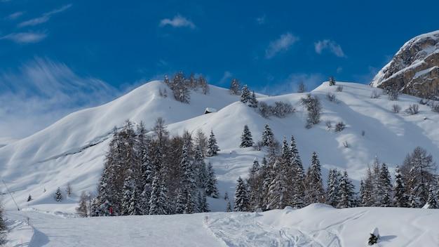 Paesaggio invernale nelle dolomiti