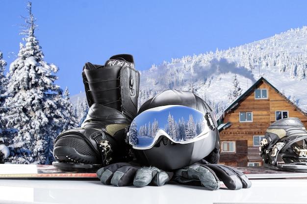 Attrezzatura per sport invernali in inverno