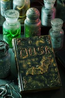 Decorazione di halloween di pozioni magiche di vasi da farmacia di strega
