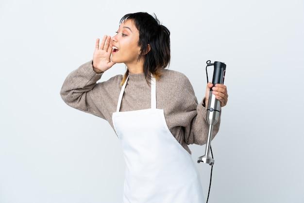 Donna in uniforme da chef