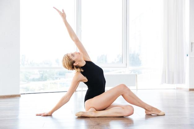 Donna in classe di danza